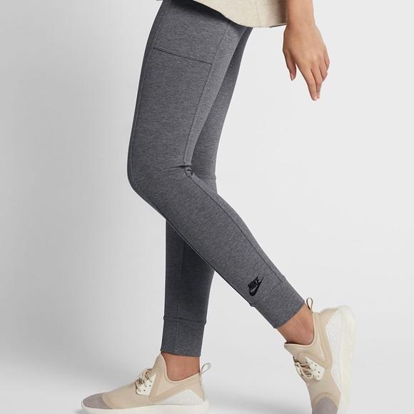 59a3d401846a0 Nike Sportswear Essential Women's Leggings. M_5b2562d803087c744539b38e
